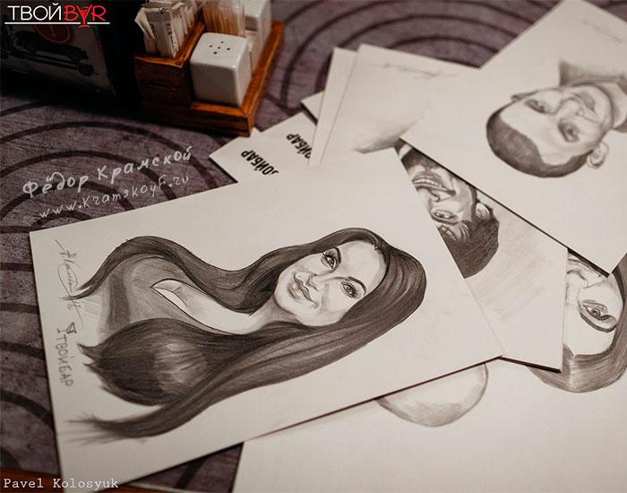 Шаржи карандашом на постоянных посетителей Твоего Бара. Нарисованы заранее по присланным фотографиям.